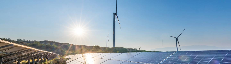 éoliennes, panneaux solaires