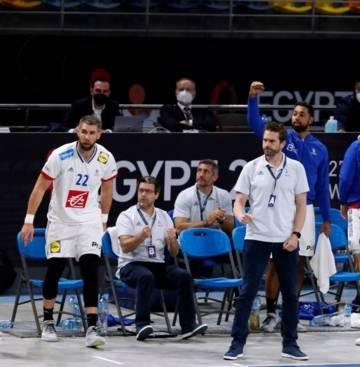 Guillaume Gille (à droite) et quelques membres de l'Equipe de France de Handball