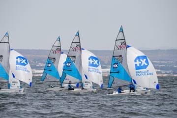 Sailing club in Banque Populaire colors